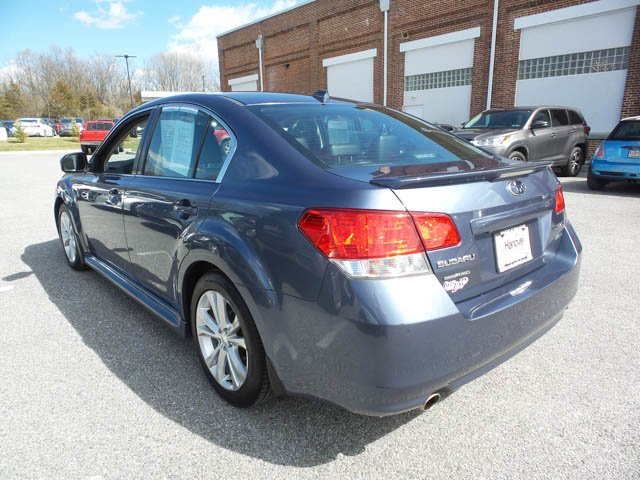 Pre-Owned 2013 Subaru Legacy 3.6R Limited